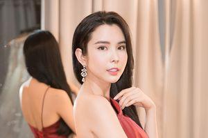 Á khôi Huỳnh Vy mang 40 bộ trang phục sang Phillippines thi nhan sắc
