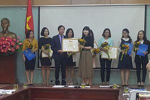Đoàn viên Công đoàn Báo Hànôịmới đoạt giải Nhất hội thi 'Nét đẹp văn hóa công sở'