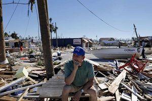 'Mong manh sự sống và tử thần': Nhân chứng run rẩy trong siêu bão Michael