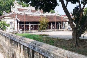 Đình cổ Lại Thế gần 280 tuổi 'kêu cứu' trước mùa mưa bão