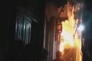 Thông tin mới nhất vụ bố dượng tẩm xăng đốt nhà ở Hà Nội