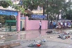 Đứt dây điện làm hai học sinh tử vong, bốn em thương nặng
