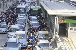 BRT ngàn tỉ kém hiệu quả: 'Cảnh báo rồi nhưng họ cứ làm!'