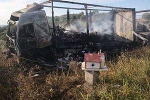Xe chở người di cư đâm vào ôtô tải, 11 người thiệt mạng