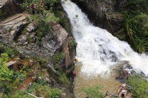 Sau vụ du khách Hàn Quốc chết ở Datanla: Cấm nhảy thác từ độ cao 11m