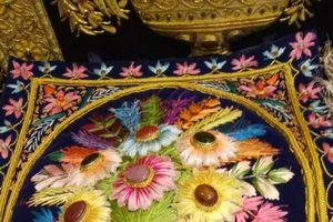 Đại gia Việt chi hàng trăm triệu đồng mua một bức tranh thêu tay Ấn Độ