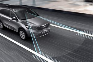 Giải mã 8 hệ thống an toàn chủ động trên ô tô