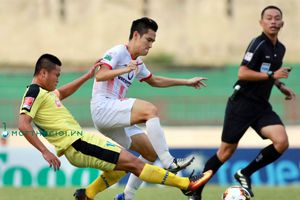 Toàn cảnh trận Nam Định đánh bại Hà Nội B để giành vé chơi lại V.League