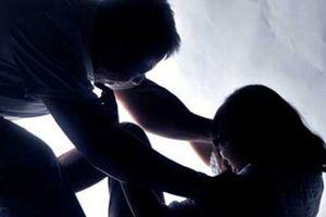 Tạm giam nam thanh niên nhiều lần giao cấu với bé gái 16 tuổi