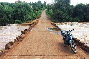 Gia Lai: Một phụ nữ bị nước cuốn trôi tử vong tại cầu suối Đục