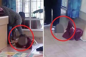 Clip: Làm bẩn tã, bé gái tàn tật bị bảo mẫu to béo đánh đập thậm tệ