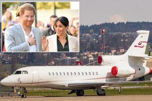 Máy bay chở Hoàng tử Anh Harry và Công nương bị sét đánh trúng