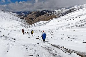 Bão tuyết ở Himalaya khiến 9 người leo núi thiệt mạng
