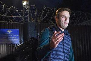 Thủ lĩnh đối lập Nga liên tục vào tù ra tội