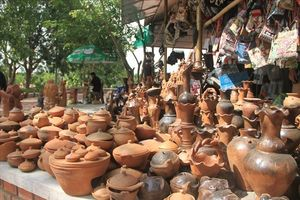 Làng gốm cổ nhất Đông Nam Á: 'Sắc màu' dần bị mai một