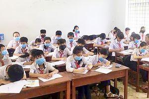 Doanh nghiệp xả thải, học sinh phải bịt khẩu trang