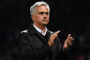 Mourinho được huyền thoại M.U 'bao che'