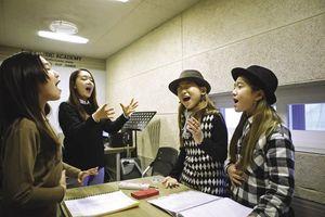 Những đánh đổi của thực tập sinh Việt trở thành thần tượng Kpop