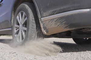 Nguyên nhân lốp ô tô thường có hiện tượng mòn không đều?