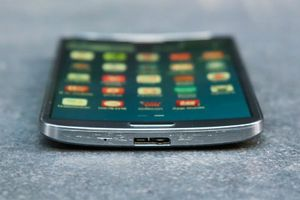 Điện thoại gấp của Samsung là máy tính bảng có thể bỏ túi