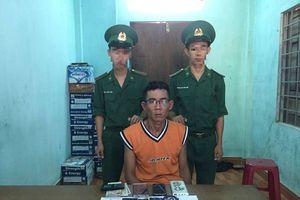 Quảng Trị: Bắt giữ đối tượng vận chuyển hơn 1.600 viên ma túy tổng hợp