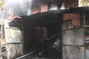 Hà Nội: Cháy xưởng ghế sofa, 5 người thương vong