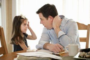 Biết cách trò chuyện với con cái sau khi ly hôn