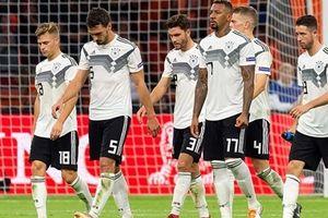 Đức 0-3 Hà Lan: Xe tăng tuột xích
