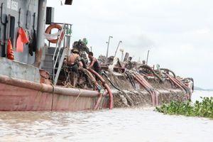 Ngư dân Hải Phòng vây bắt 3 tàu cát tặc ở cửa sông