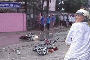 Đứt dây điện khiến 6 học sinh thương vong: Sau tiếng nổ lớn, dây diện phóng tia lửa vào nhóm học sinh vừa đi ra