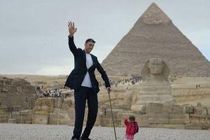 Chàng trai cao nhất và cô gái thấp nhất thế giới
