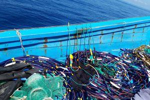 Phát hiện một tàu cá đem thiết bị kích điện, súng điện