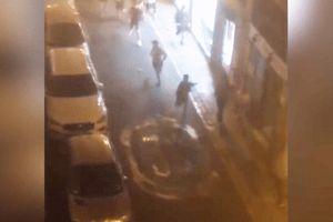 Video hooligan Anh tháo chạy khi đối đầu cảnh sát Tây Ban Nha