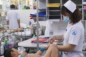 'Ác mộng' mang tên bệnh tay chân miệng: Thứ trưởng Bộ Y tế lo ngại dịch diễn biến phức tạp