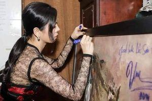 Vụ Đàm Vĩnh Hưng, Lệ Quyên ký lên tranh: Một sự xúc phạm tới họa sĩ