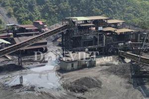 Cận cảnh những hố khai thác than trái phép ở khai trường Vietmindo