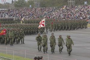 Quân đội Nhật thể hiện sức mạnh trong cuộc diễu binh hoành tráng