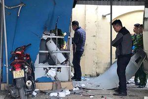 Điều tra vụ nổ lớn tại nhà riêng của chủ tịch xã ở Nghệ An