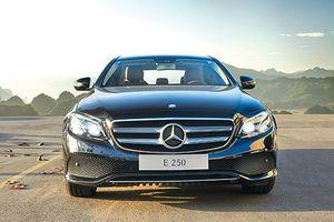 Mercedes-Benz E250: Sedan hạng sang giá 2,5 tỷ đồng