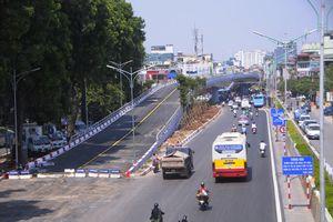 Hà Nội xin cơ chế thay đê đất đường Âu Cơ bằng bê tông, mở rộng hơn gấp đôi