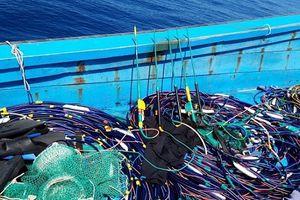 Phát hiện tàu cá mang nhiều thiết bị xung điện trái phép