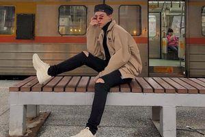Xu hướng giày Sneakers nổi đình đám làm thay đổi ngoạn mục styles của dàn sao Việt 2018