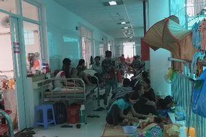 Cần Thơ: Bệnh viện nhi 'thất thủ' bởi 1.300 ca tay chân miệng