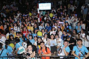 10.000 người náo động tại 'Đại nhạc hội Viettel TV'