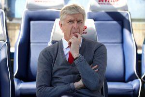 HLV Wenger sắp tới PSG