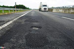 4 ngày để khắc phục hư hỏng mặt đường cao tốc Đà Nẵng-Quảng Ngãi