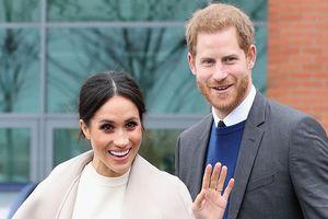 Vợ chồng Hoàng tử Harry sẽ đón con đầu lòng vào mùa xuân tới