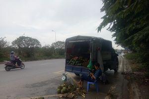 Hà Nội: Chính quyền phường Đại Mỗ có làm ngơ cho nạn bán hàng rong trên Đại lộ Thăng Long ?