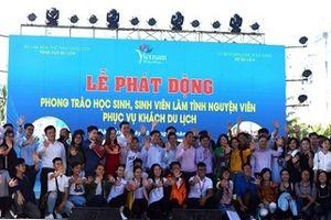 Đà Nẵng: Học sinh, sinh viên làm tình nguyện viên phục vụ khách du lịch