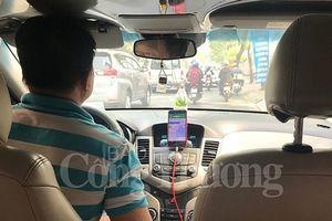 Bỏ hợp đồng điện tử, lái xe và người dùng xe công nghệ về đâu?
